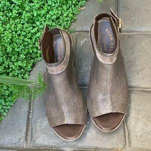 KORK-EASE K35860 Wedge Sandal. Women's Size 6